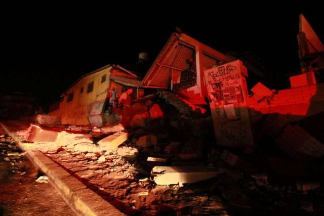 No todas las viviendas soportaron los 8,2 grados del primer terremoto.