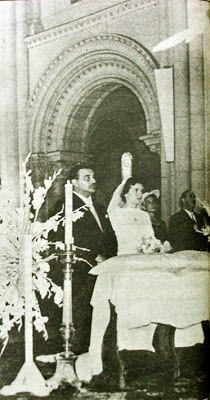 """El Guatón Loyola en su boda con doña María Luisa Triveli, en el Templo de los Padres Franceses en 1957. Aunque fue un padre de familia responsable, se le recuerda también como enamoradizo y aventurero incorregible (Fuente imagen: diario """"El Mercurio"""", suplemento """"Revista del Domingo"""" de 1980)."""