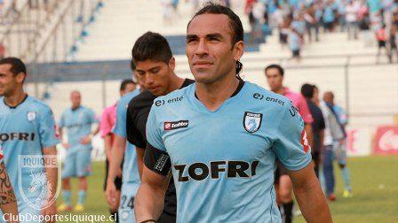 """Claudio Palma de Fox Sports rinde homenaje al """"Tata"""" Taucare durante transmisión de partido Zamora Deportes Iquique"""