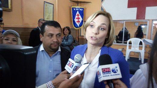 """Cuñado e integrante de """"Sexuales"""" hace pebre a Carolina Goic  y llama a votar por Guillier"""