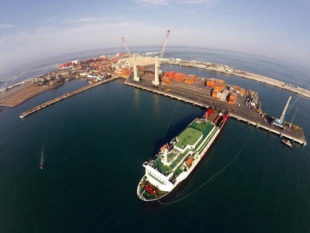 En histórica operación ITI embarcó 108 camiones en ferry