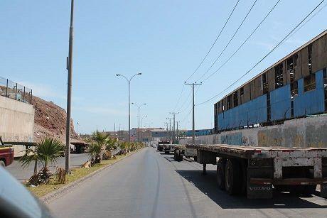 La Avenida las Cabras de Iquique trasformada en depósito de ramplas