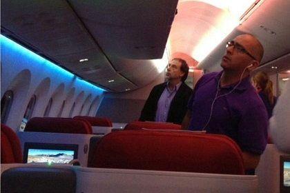 Funan a san Guido Girardi en un avion: Pasajero le dijo las cosas por su nombre