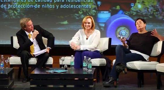 Combo a combo de Beatriz Sánchez y José Antonio Kast en debate del Hogar de Cristo