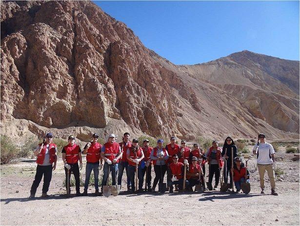 CNG y alumnos de INACAP Iquique trabajando juntos en el proyecto Mas Agua en Copaquire