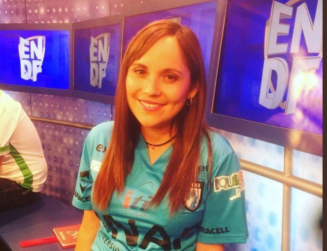 Gabriela Segura, la periodista iquiqueña que saca la cara por la Celeste en el Show de Goles de CDF