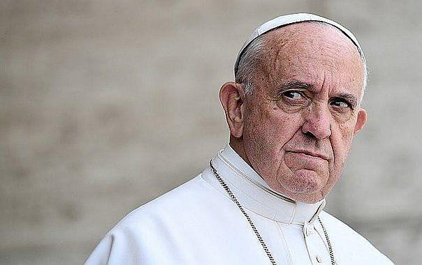 ¿Mano dura del Papa?: renunciaron obispos chilenos