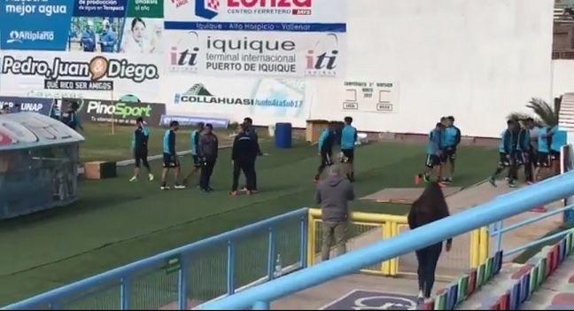 Hinchas Celestes interrumpen entrenamiento de Deportes Iquique
