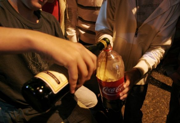 Sin clases de ética: 200 luquitas saldrá tomar en la calle